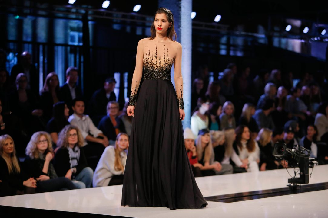 GNTM-Stf11-Epi01-erste-fashion-show-12-ProSieben-Huebner - Bildquelle: ProSieben/Richard Huebner
