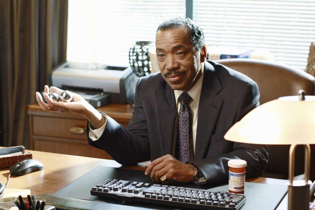 Auf Sheldons Empfehlung geht Charlotte zu Larry Cannon (Obba Babatundé) zur Therapie. Der hat aber selbst ein Problem und verschreibtihr nur eine R... - Bildquelle: ABC Studios
