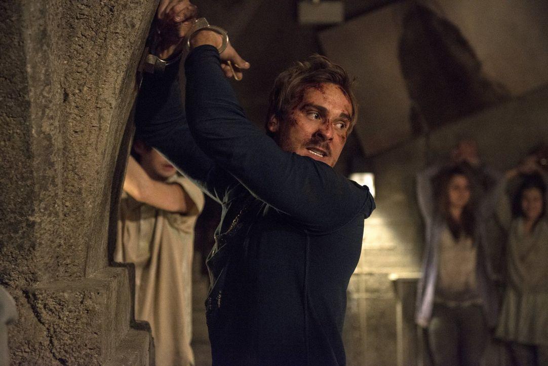 Muss entsetzt mit ansehen, wie Raven gequält wird: Wick (Steve Talley) ... - Bildquelle: 2014 Warner Brothers