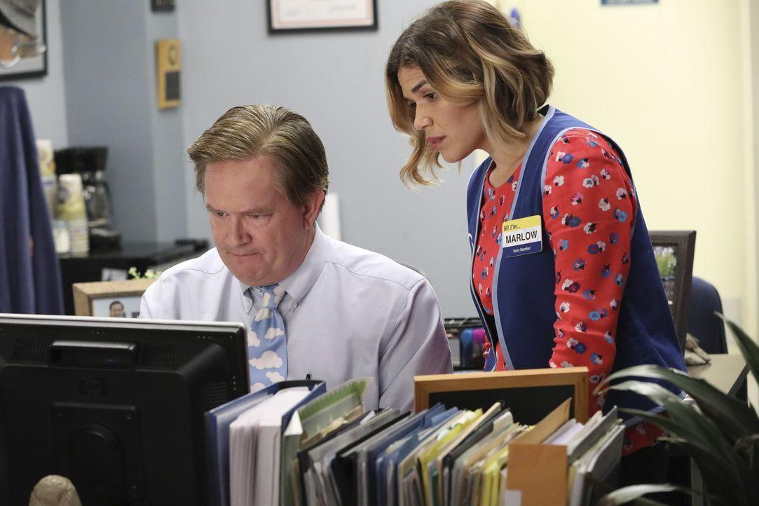 Glenn (Mark McKinney, l.); Amy (America Ferrera, r.) - Bildquelle: Evans Vestal Ward 2016 Universal Television LLC. ALL RIGHTS RESERVED. / Evans Vestal Ward