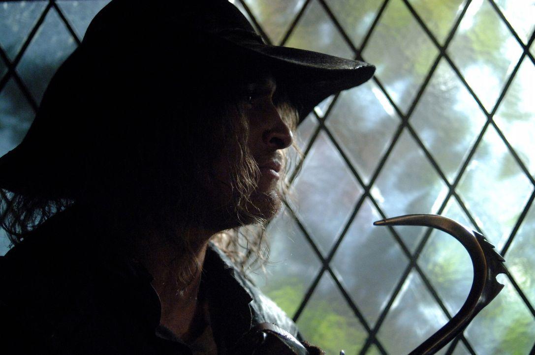 Sam und Dean versuchen den Hakenmann (Darsteller unbekannt), das Handwerk zu legen ... - Bildquelle: Warner Bros. Television