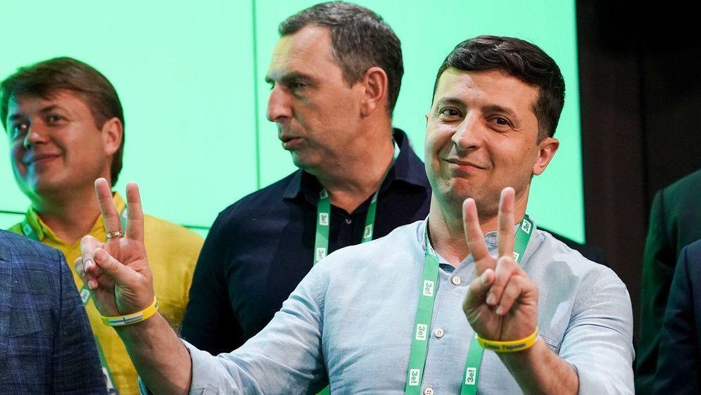 - Bildquelle: Evgeniy Maloletka/AP/dpa