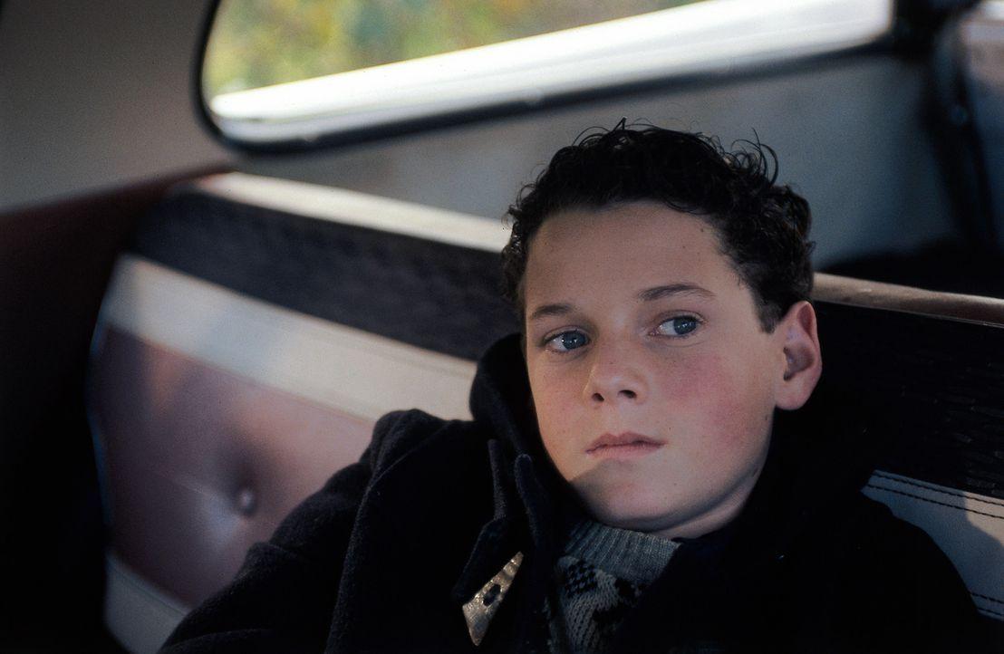 Weil Jacob (Anton Yelchin) die Begabungen seines Vaters geerbt hat, wird er gnadenlos gejagt ... - Bildquelle: TM &   DREAMWORKS LLC.All Rights Reserved
