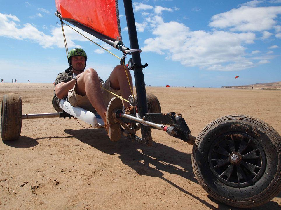 Urlaubschecker Thore Schölermann unterwegs auf Fuerteventura ... - Bildquelle: ProSieben