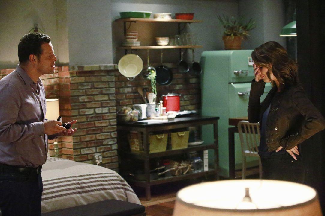 Jo (Camilla Luddington, r.), die eifersüchtig auf Merediths Beziehung zu Alex (Justin Chambers, l.) war, kann es nicht fassen, als er ihr einen Heir... - Bildquelle: Mitchell Haaseth ABC Studios