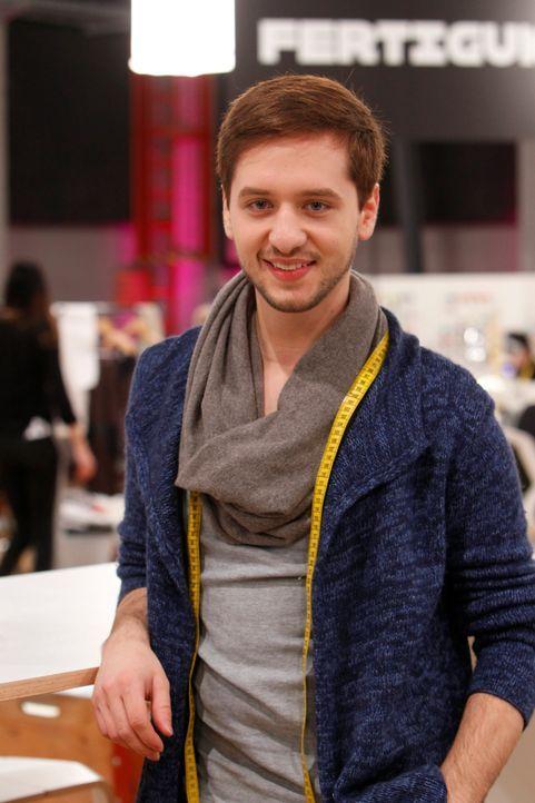 Fashion-Hero-Designer-riccardo-serravalle-01