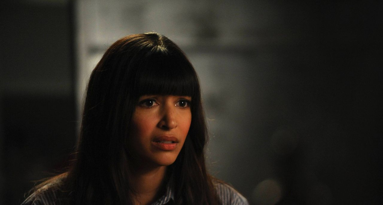 Ahnt nichts von Schmidts Geheimnis: Cece (Hannah Simone) ... - Bildquelle: TM &   2013 Fox and its related entities. All rights reserved.