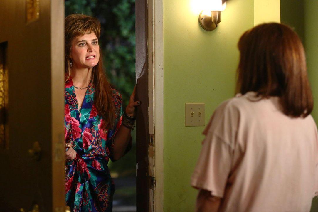 Rita (Brooke Shields, l.); Frankie (Patricia Heaton, r.) - Bildquelle: Warner Brothers