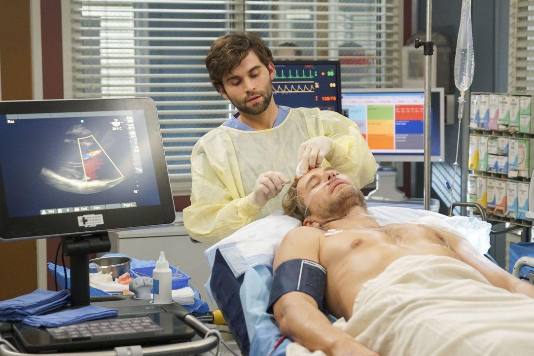 Dr. Levi Schmitt (Jake Borelli, l.); Lucas Ripley (Brett Tucker, r.) - Bildquelle: Scott Everett White ABC Studios