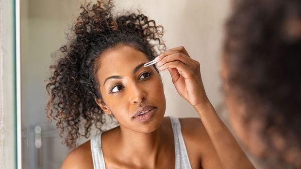 Richtiges Zupfen für perfekte Augenbrauen