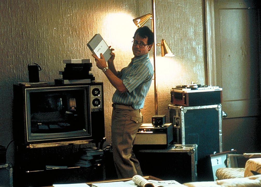 Zerbricht an seiner Sex-Besessenheit : Bob Crane (Greg Kinnear) ... - Bildquelle: 2003 Sony Pictures Television International