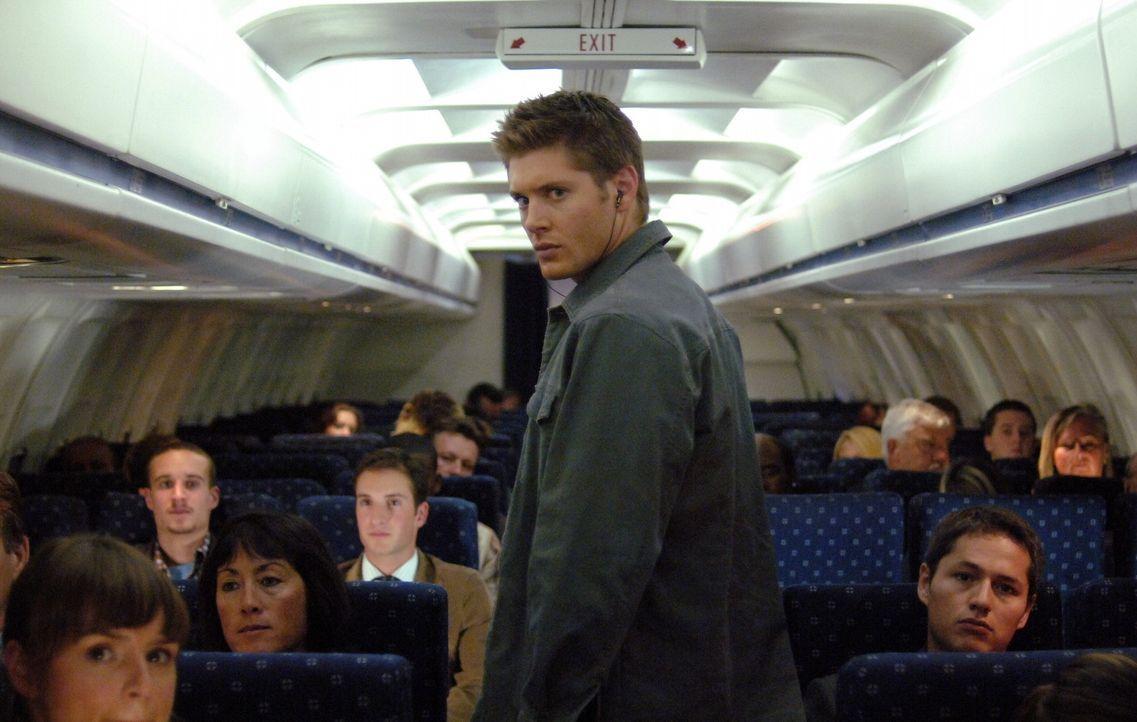 Eine Jagd nach einem Dämon, der gnadenlos tötet beginnt: Dean (Jensen Ackles, M.) ... - Bildquelle: Warner Bros. Television