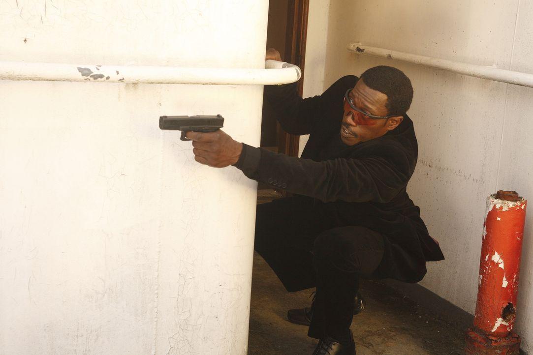 Versucht alles, um eine Verschwörung und ein Attentat aufzuklären: Agent Neil Shaw (Wesley Snipes) ... - Bildquelle: 2008 Operation Eagle Productions Inc. All Rights Reserved.