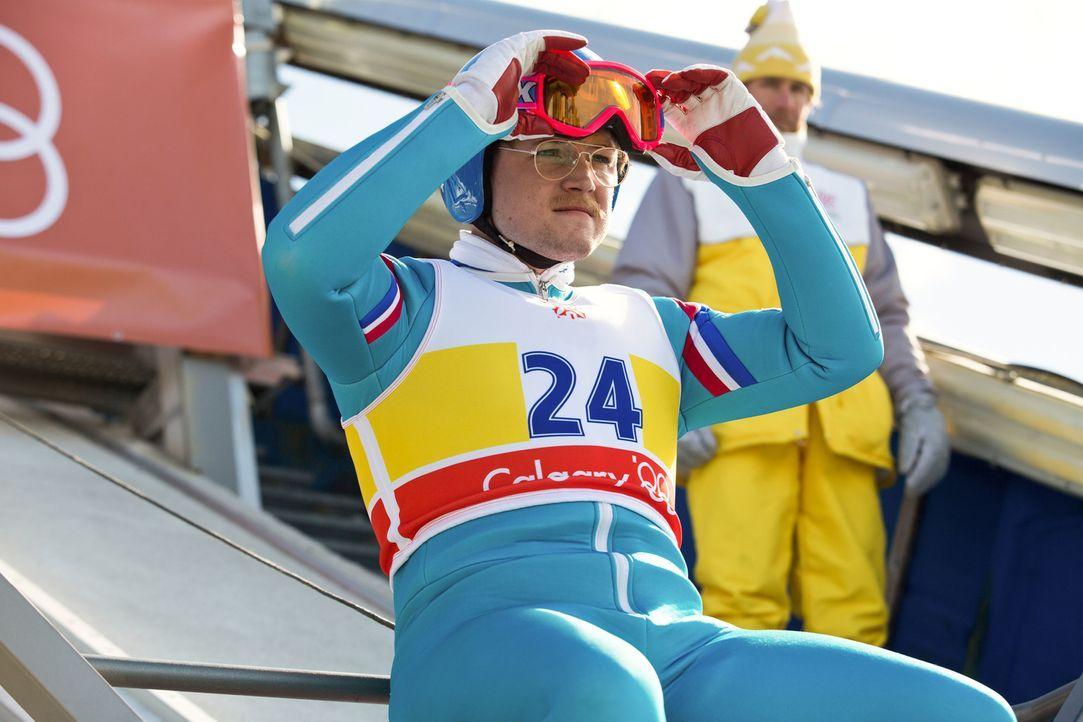 Schon als Kind träumte Eddie Edwards (Taron Egerton) davon, einmal bei den Olympischen Spielen teilzunehmen, doch der Weg dorthin ist für den körper... - Bildquelle: Larry Horricks 2016 Twentieth Century Fox Film Corporation.  All rights reserved.