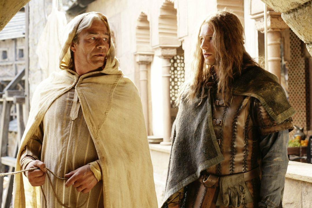 Auf der Suche nach seinem Vater begibt sich Isenhart (Bert Tischendorf, r.) nach Toledo. Dort stößt er auf Sydal von Friedberg (Klaus J. Behrendt,... - Bildquelle: ProSieben