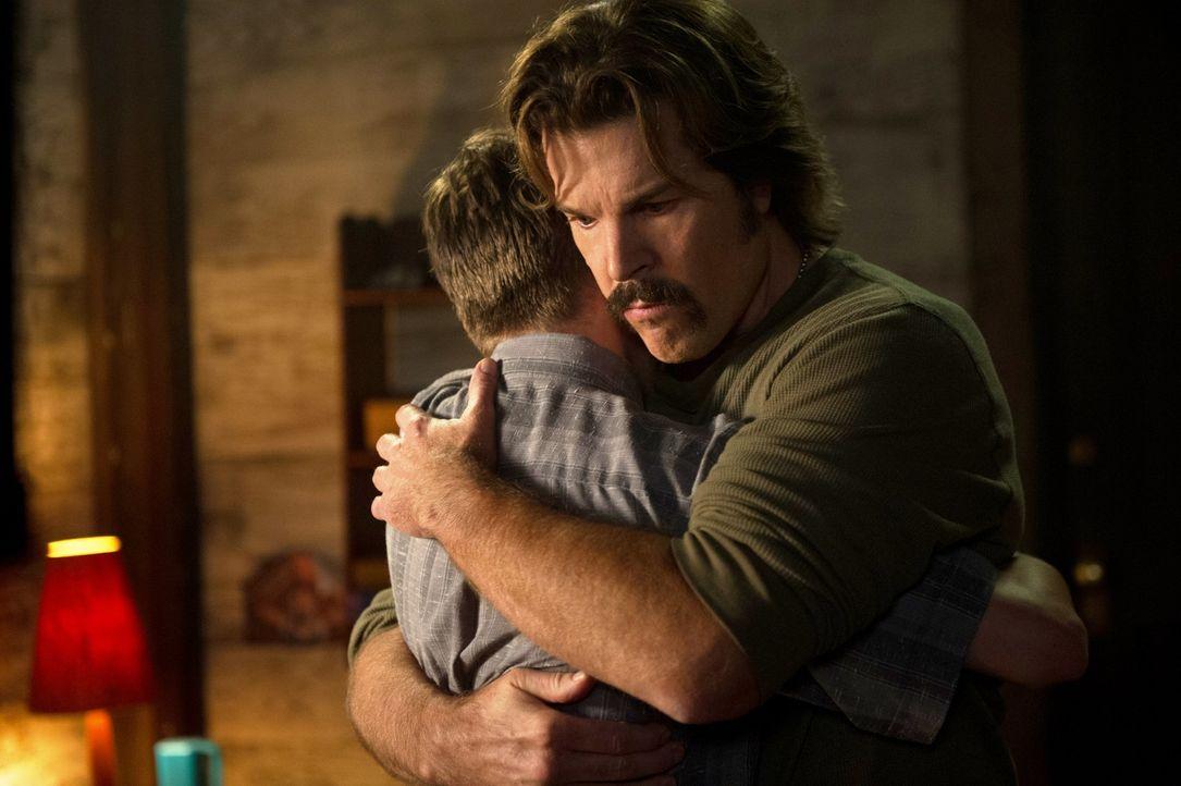 Sonny (Blake Gibbons) zeige dem jungen Dean, was es heißt, ein ganz normales Leben zu führen. Doch davon ist dem Jäger nur noch die Erinnerung gebli... - Bildquelle: 2013 Warner Brothers