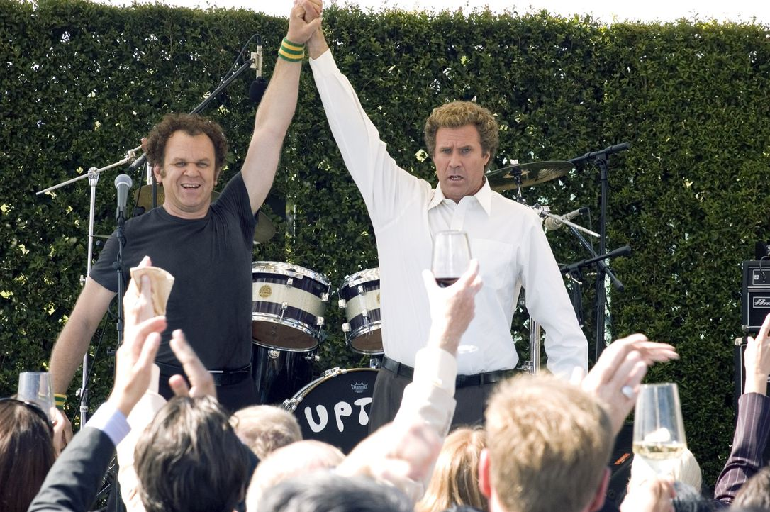 Nachdem sie sich fast die Köpfe eingeschlagen haben, finden  Brennan (Will Ferrell, r.) und Dale (John C. Reilly, l.) langsam zueinander. Bald für... - Bildquelle: 2008 Columbia Pictures Industries, Inc. and Beverly Blvd LLC. All Rights Reserved.