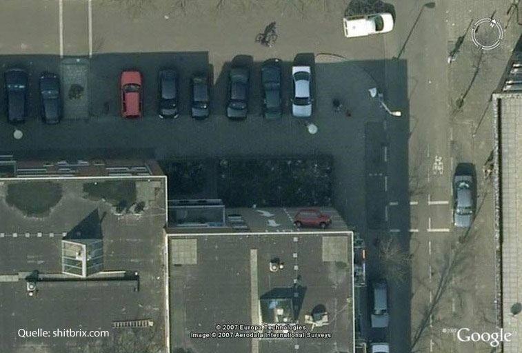 Shit Bricks - Parken im Wohngebiet