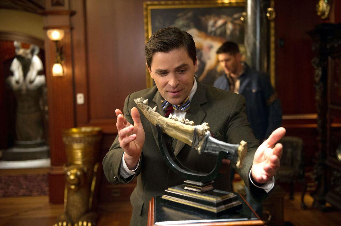 """Ist Cuthbert Sinclair (Kavan Smith) einer der """"inaktiven"""" Männer der Schrift? - Bildquelle: 2013 Warner Brothers"""