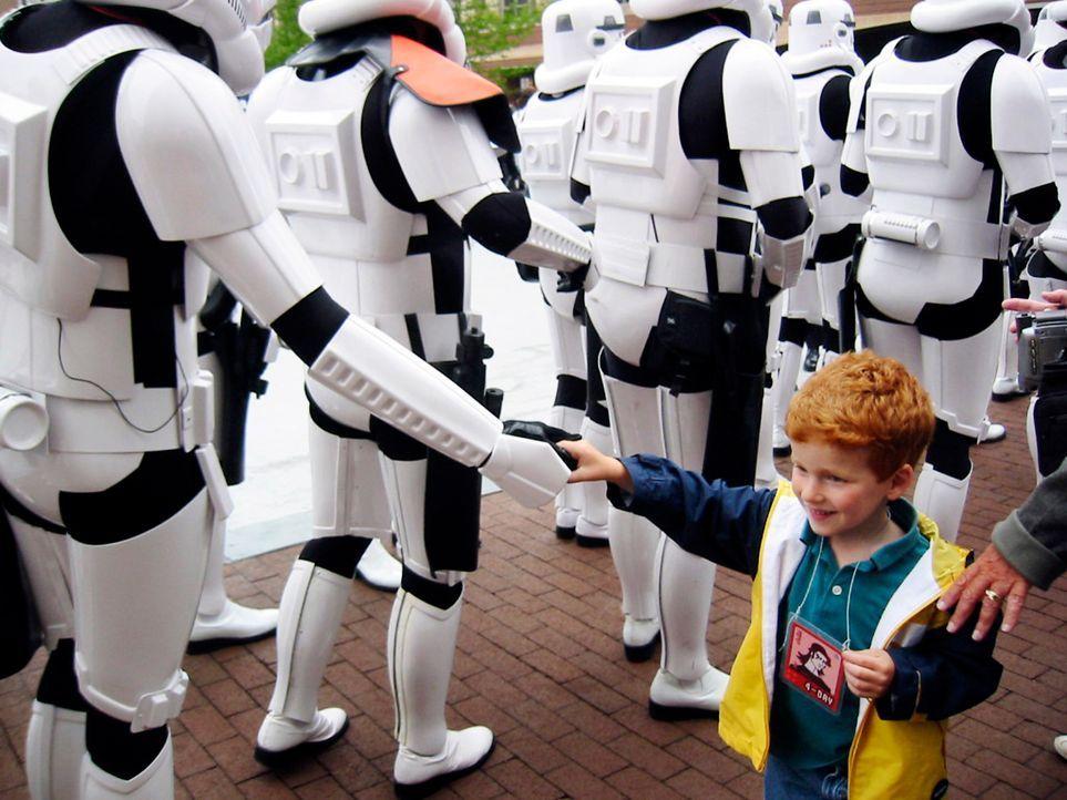 Star-Wars-Day-01-2014-Lucasfilm-Ltd