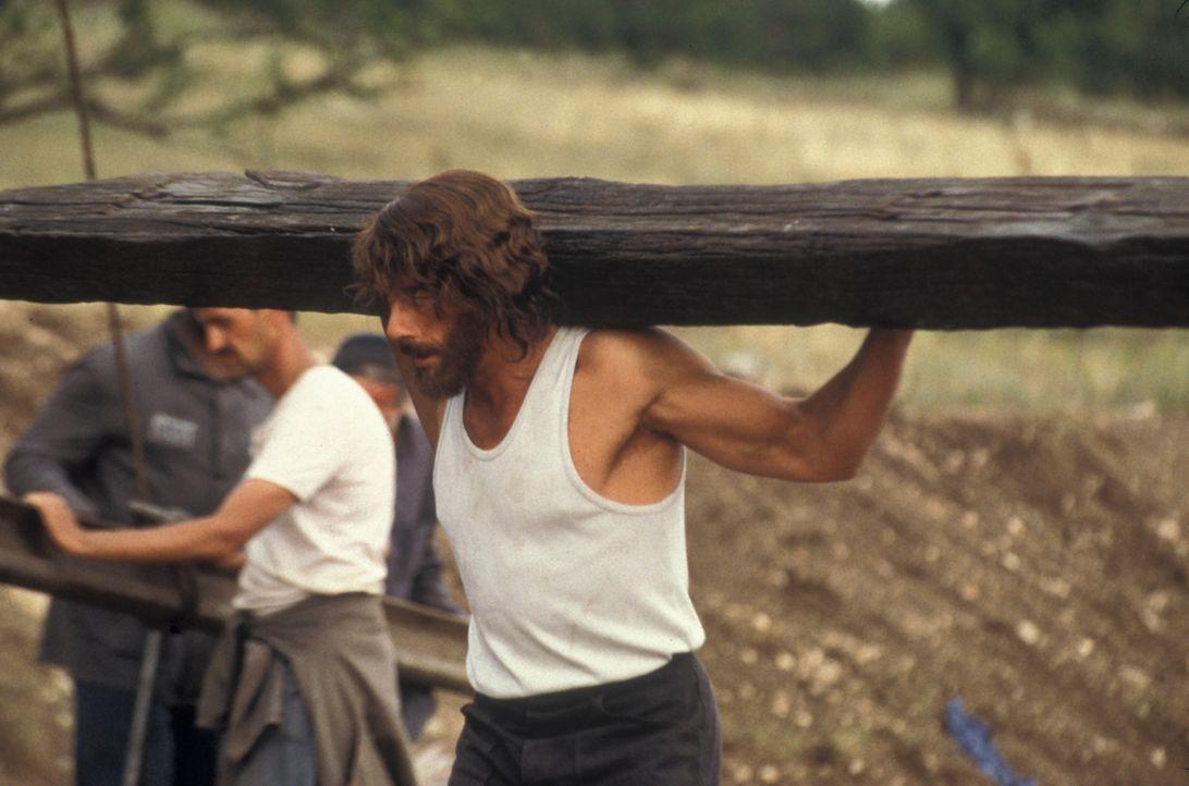 In der Hölle: Weil der Amerikaner Kyle LeBlanc (Jean-Claude Van Damme) den Mörder seiner Frau kurz nach dessen Freispruch mit einer gestohlenen Po... - Bildquelle: NU IMAGE