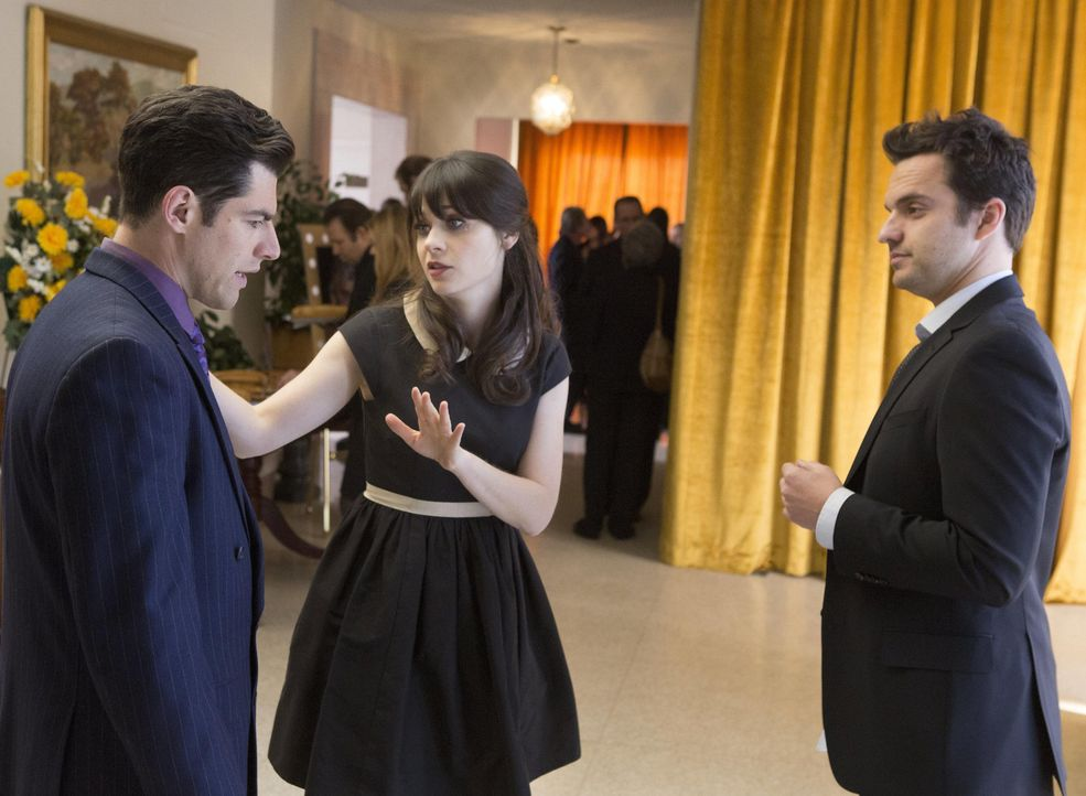 Als Nicks Familie eine Toten zu beklagen hat, fahren Jess (Zooey Deschanel, M.), Schmidt (Max Greenfield, l.) und Winston mit nach Chicago, um Nick... - Bildquelle: 2013 Twentieth Century Fox Film Corporation. All rights reserved