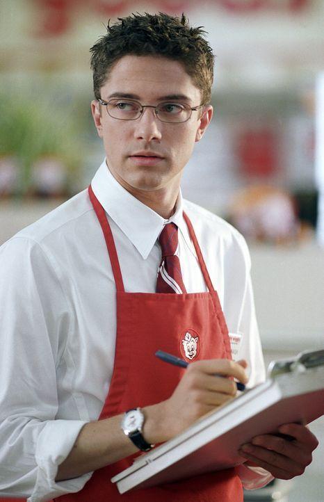 Rosalee Futch arbeitet in einem Supermarkt an der Seite von Pete (Topher Grace). Während dieser sie heimlich anhimmelt, träumt Rosalee von Filmsta... - Bildquelle: 2004 DreamWorks LLC. All Rights Reserved.