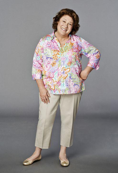 (1. Staffel) - Als ihr Mann nach 43 Ehejahren die Scheidung einreicht, zieht Carol (Margo Martindale) zu ihrem Sohn und wird dessen Singlepläne ein... - Bildquelle: 2013 CBS Broadcasting, Inc. All Rights Reserved.