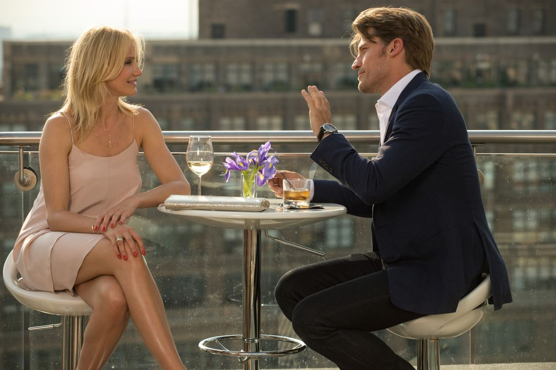 Eigentlich läuft es zwischen Carly (Cameron Diaz, l.) und ihrem neuen Liebhaber Mark (Nikolaj Coster-Waldau, r.) ganz gut, doch dann muss die taffe... - Bildquelle: Barry Wetcher 2014 Twentieth Century Fox Film Corporation. All rights reserved. / Barry Wetcher