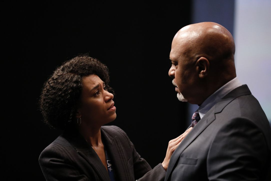 Dr. Maggie Pierce (Kelly McCreary, l.); Dr. Richard Webber (James Pickens Jr., r.) - Bildquelle: Raymond Liu 2019 American Broadcasting Companies, Inc. All rights reserved. / Raymond Liu
