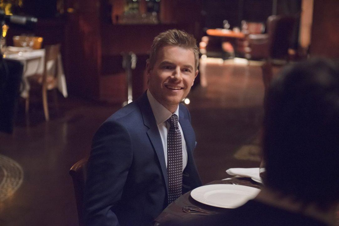 Wie lange kann Eddie (Rick Cosnett) seine Zusammenarbeit mit Flash vor Iris verheimlichen? - Bildquelle: Warner Brothers.