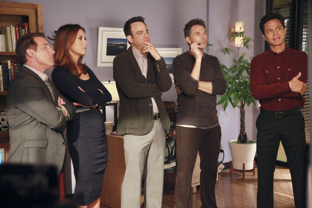 Stehen Addison (Kate Walsh, 2.v.l.) bei der Wahl ihres Samenspenders bei: Sheldon (Brian Benben, l.), Cooper (Paul Adelstein, M.), Pete (Tim Daly, 2... - Bildquelle: ABC Studios