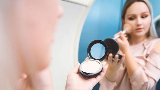Blush Contouring ist der neueste Make-up Trend? Wie funktioniert Draping rich...