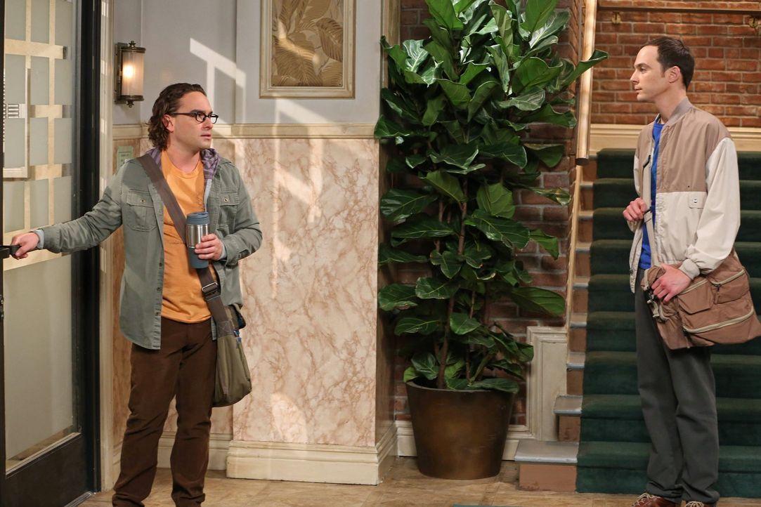 Ihre Freundschaft wird auf eine harte Probe gestellt: Sheldon (Jim Parsons, r.) und Leonard (Johnny Galecki, l.) ... - Bildquelle: Warner Bros. Television