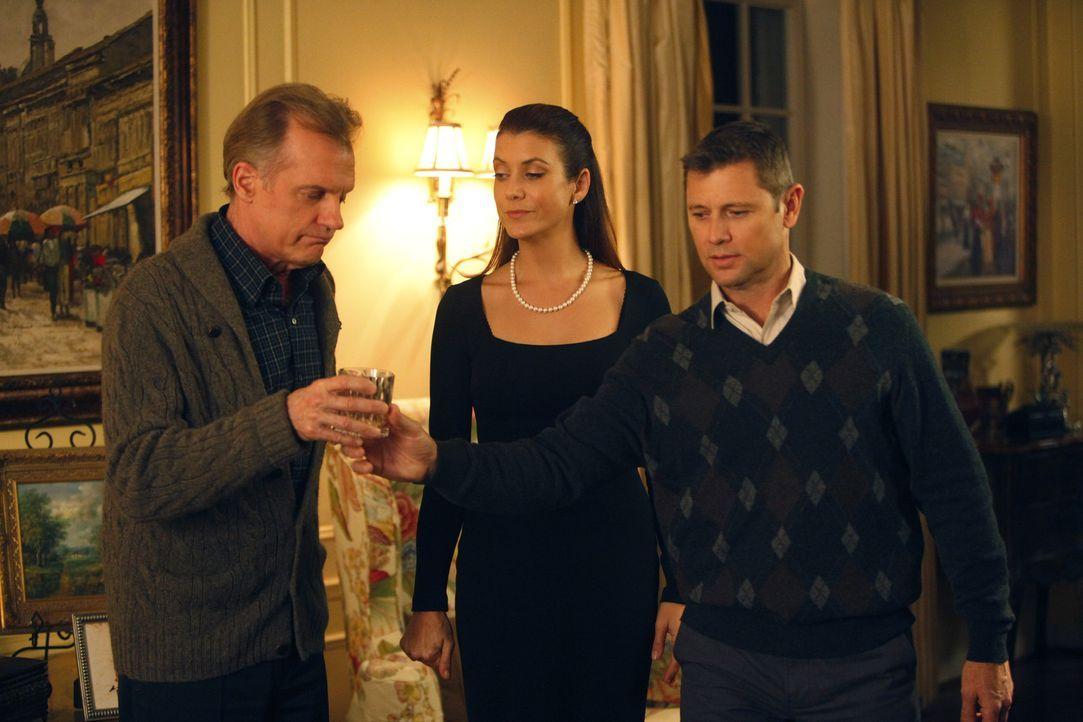 Eine schwere Zeit wartet auf Addison (Kate Walsh, M.), den Captain (Stephen Collins, l.) und Archer (Grant Show, r.) ... - Bildquelle: ABC Studios