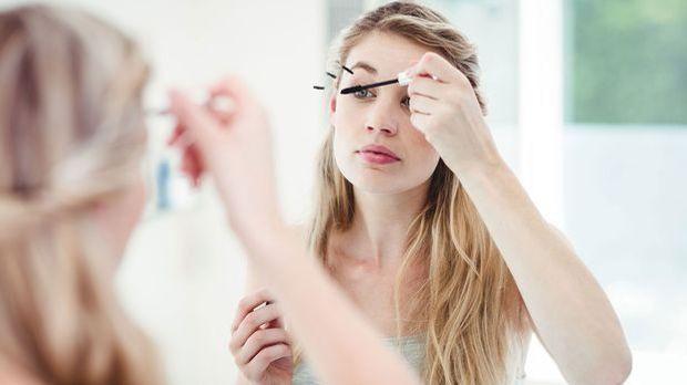Wirklich alle von uns wünschen sich eine schöne Mascara im Handumdrehen! Mit...