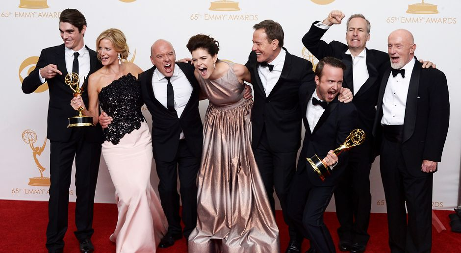 Emmy-Awards-Breaking-Bad-Cast-13-09-22-dpa - Bildquelle: dpa