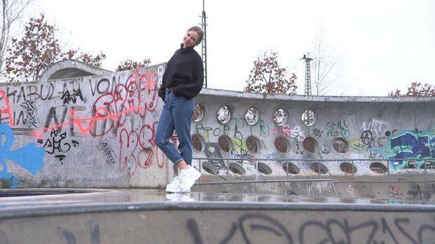 Trend 2 - Ugly Sneaker