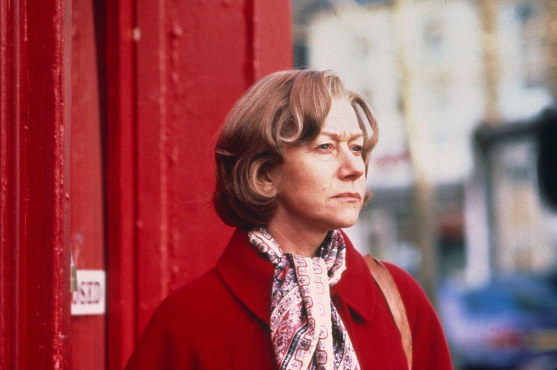 Amys (Helen Mirren, l.) größter Kummer bestand darin, dass ihr Mann die gemeinsame behinderte Tochter nicht annehmen konnte. Nun ist er tot und vi... - Bildquelle: 2003 Sony Pictures Television International. All Rights Reserved.