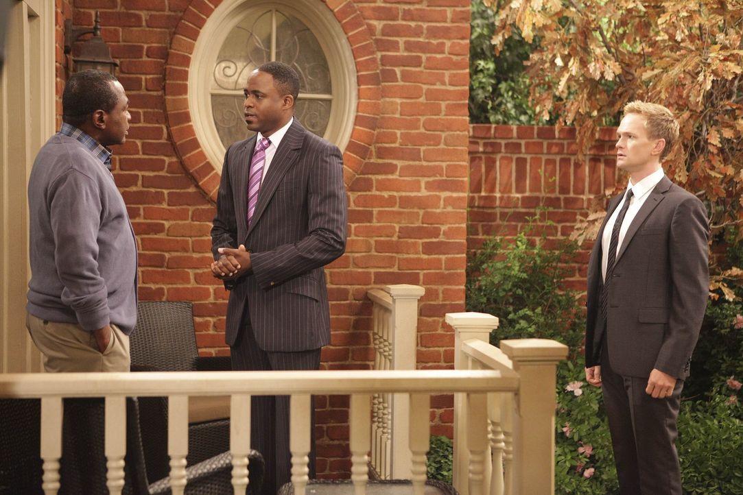 Barney (Neil Patrick Harris, r.) und James (Wayne Brady, M.) machen sich auf die Suche nach ihrem vermeintlichen Vater. Doch ist Sam Gibbs (Ben Vere... - Bildquelle: 20th Century Fox International Television