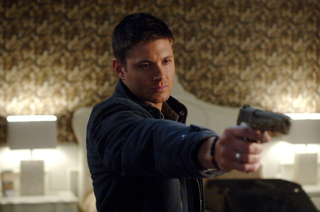 Sam und Dean Winchester (Jensen Ackles) ermitteln in einem möglichen Zombie Fall und finden dabei etwas weitaus Seltsameres ... - Bildquelle: Warner Bros. Television