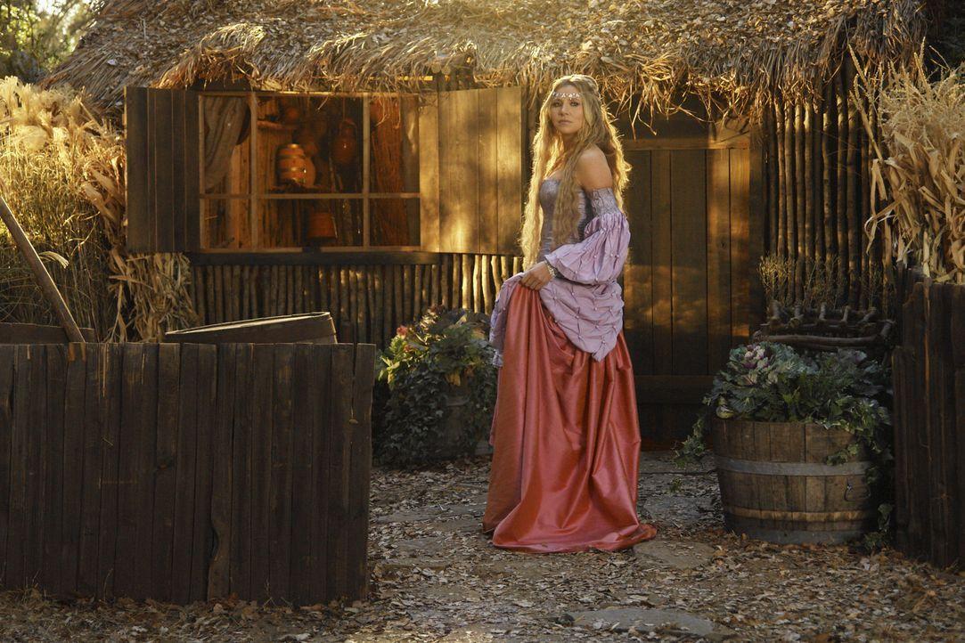 Weil sie ihre Magd nicht alleine retten kann, muss die Prinzessin (Sarah Chalke) jemanden um Hilfe bitten. Ihre Wahl fällt ausgerechnet auf den Dor... - Bildquelle: Touchstone Television