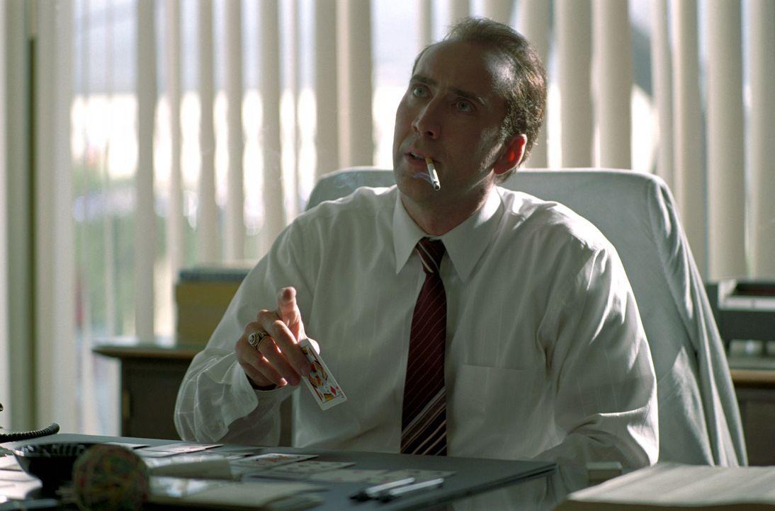 Die kleinen Gauner Roy (Nicolas Cage) und Frank verkaufen Wasserfilter zum Zehnfachen ihres Wertes, weil sie die naiven Kunden mit einem fiktiven Ge... - Bildquelle: Warner Bros. Pictures
