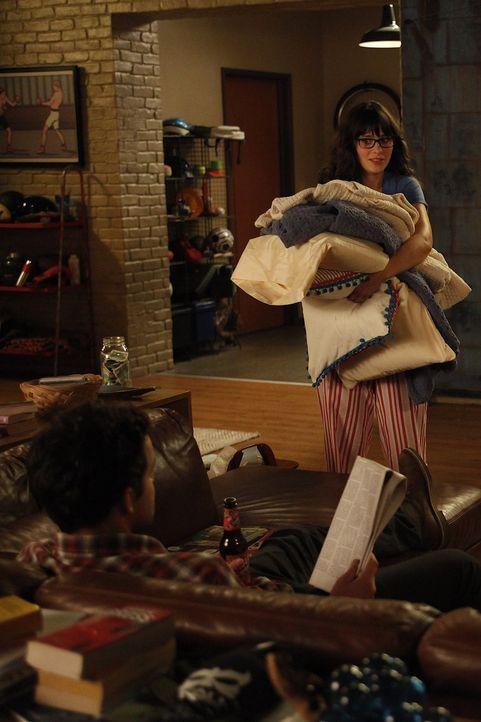 Cece ist sich sicher, dass Nick (Jake M. Johnson, l.) Jess (Zooey Deschanel, r.) nicht nur als Mitbewohnerin sieht, sondern auch ein anderes Interes... - Bildquelle: 20th Century Fox