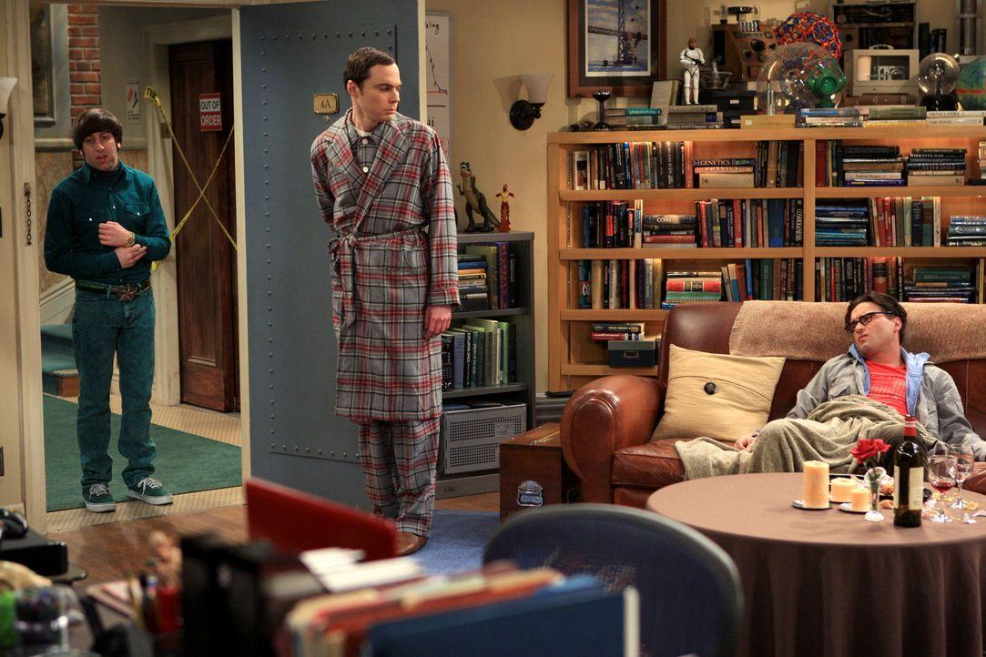 Männertausch: Sheldon (Jim Parsons, M.), Leonard (Johnny Galecki, r.) und Howard (Simon Helberg, l.) ... - Bildquelle: Warner Bros. Television