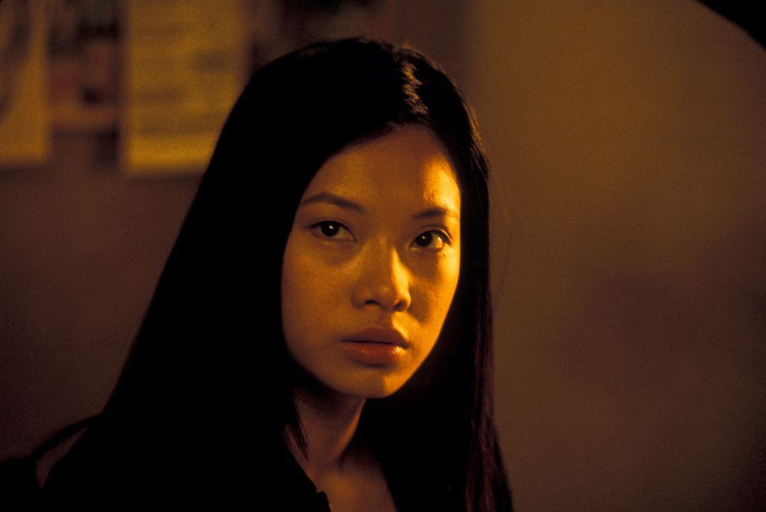 Zunächst setzt die Drogen-Agentin Tommie Ling (Michelle Goh) auf den Falschen ... - Bildquelle: Nu Image