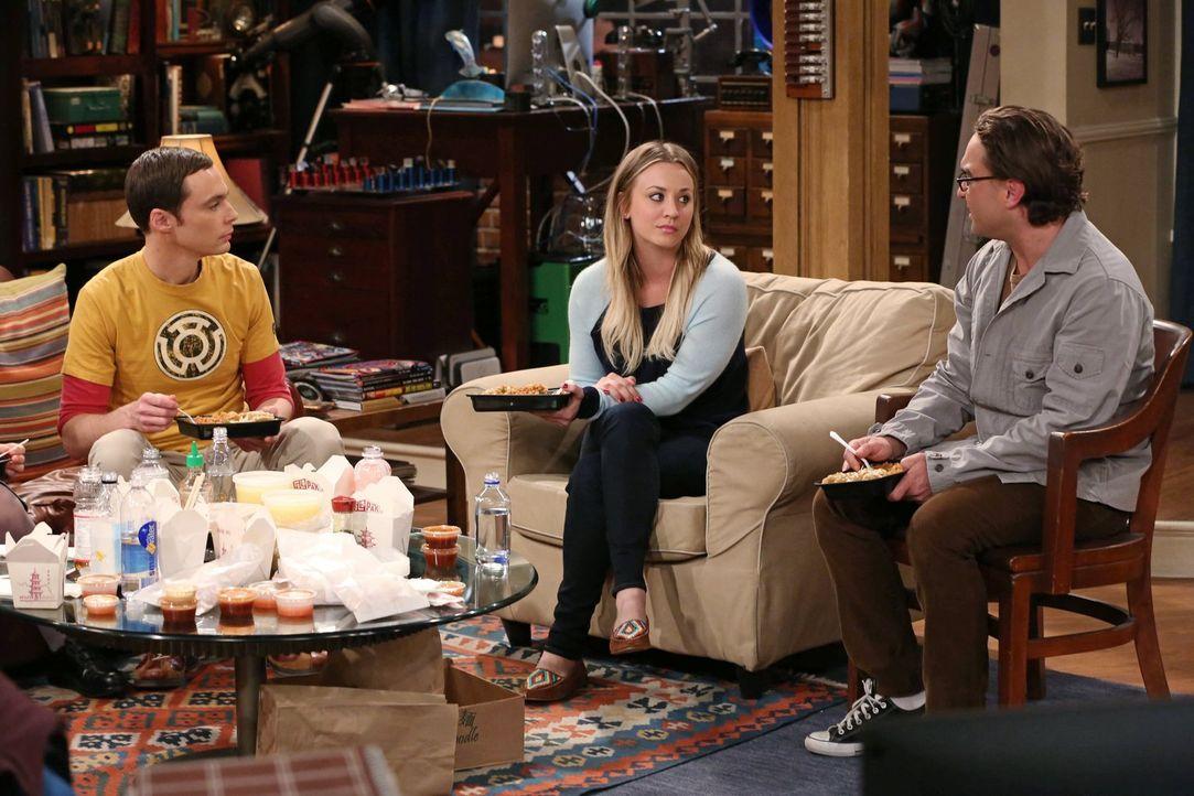 Während Sheldon (Jim Parsons, l.) und Howard sich ständig kabbeln, geraten Penny (Kaley Cuoco, M.) und Leonard (Johnny Galecki, r.) in eine Krise, w... - Bildquelle: Warner Brothers
