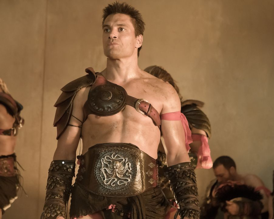 Die Eröffnungsspiele der neuen Arena stehen an. Für die Gladiatoren von Batiatus beginnt ein Kampf auf Leben und Tod: Crixus (Manu Bennett) ... - Bildquelle: 2010 Starz Entertainment, LLC