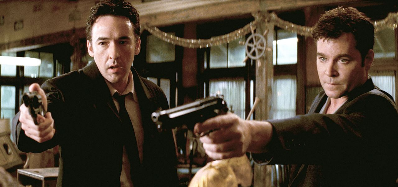 Als Ed (John Cusack, l.) und Rhodes (Ray Liotta, r.) denjenigen tot auffinden, den sie die ganze Zeit für den Täter gehalten haben, spitzt sich die... - Bildquelle: 2003 Sony Pictures Television International. All Rights Reserved.