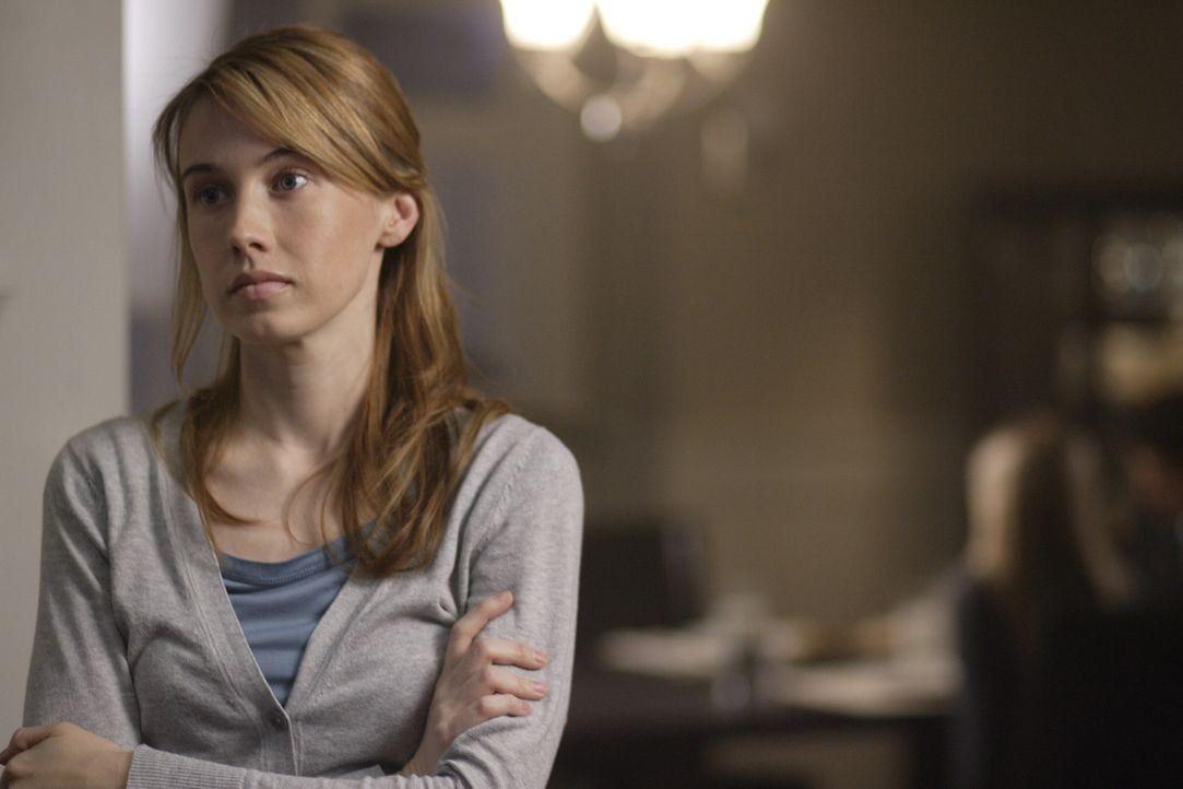 """Sam und Dean sind geschockt,  als sie herausfinden, dass Castiels """"Gastkörper"""" Jimmy sein altes Leben wiederhaben und mit seiner Frau Amelia Novak... - Bildquelle: Warner Bros. Television"""